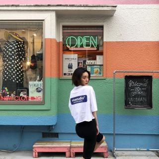 韓国大人気ブランドVIVASTUDIO(ビバスタジオ)!Tシャツやパーカーなどが大人気なんです♩