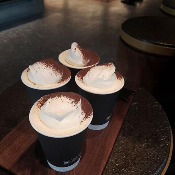 益善洞(イクソンドン)にあるSEOUL COFFEE(ソウルコーヒー/서울커피) ビエンナミルクティー 画像
