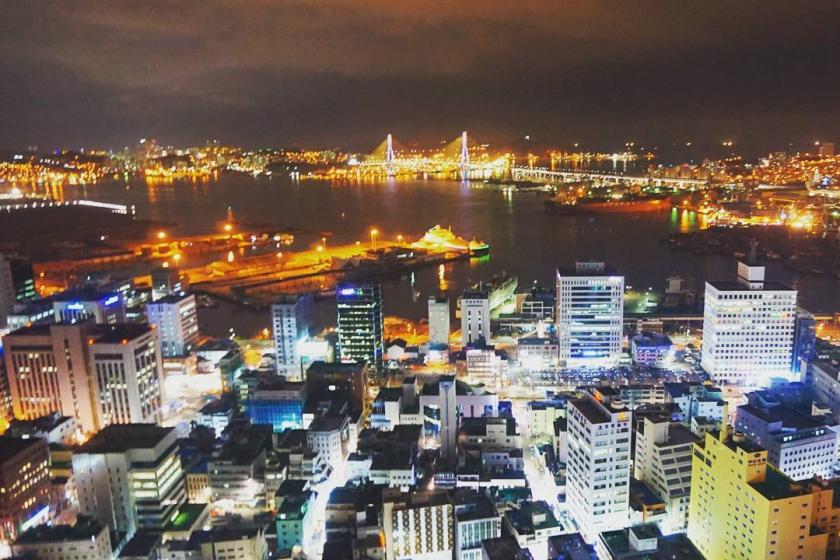 釜山(プサン)のおすすめ夜景スポット 釜山タワー展望台 の画像