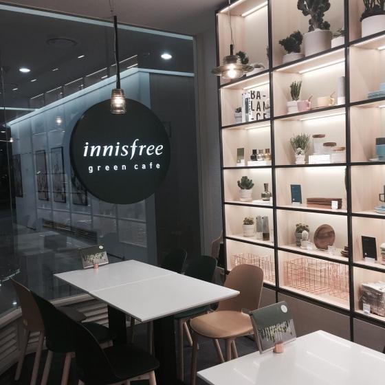 明洞(ミョンドン)にあるInnisfree Green Cafe(イニスフリーグリーンカフェ/ 이니스프리 그린 카페)の画像