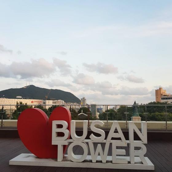 釜山(プサン)のおすすめ夜景スポット 釜山タワー展望台 の画像3