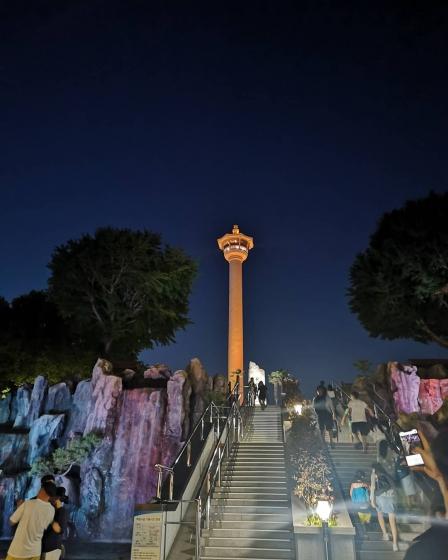 釜山(プサン)のおすすめ夜景スポット 釜山タワー展望台 の画像2