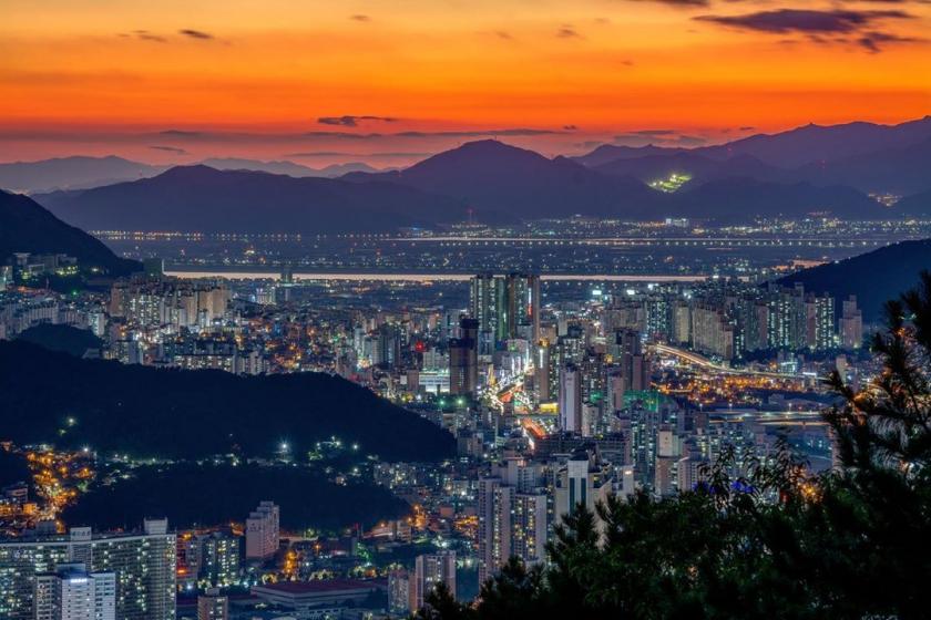 釜山(プサン)のおすすめ夜景スポット 荒嶺山(ファンリョンサン) の画像2