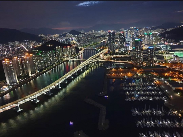 釜山(プサン)のおすすめ夜景スポット 海雲台(ヘウンデ)マリンシティー の画像