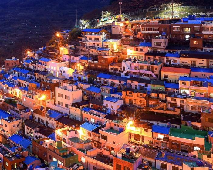 釜山(プサン)のおすすめ夜景スポット 甘川(カムチョン)文化村 の画像
