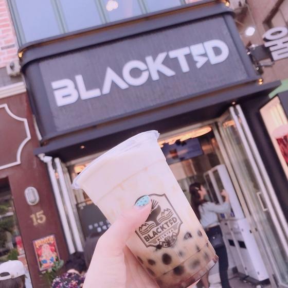 ソウルの弘大(ホンデ)で人気のタピオカ屋さんBLACKTED(ブラックテッド)の画像