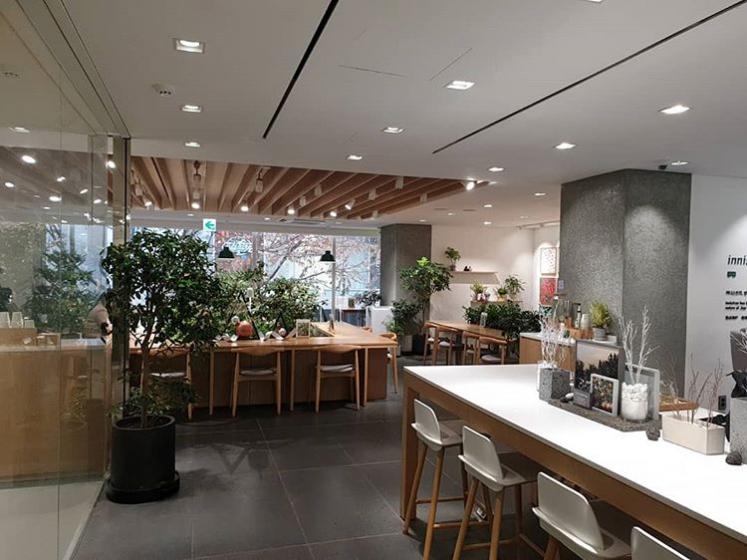 明洞(ミョンドン)で人気のフォトジェニックカフェinnisfree Green Cafe(イニスフリーグリーンカフェ)の画像3
