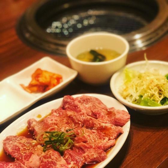 鶴橋コリアンタウンでほっこりと食べられるサムギョプサル(焼肉)の画像