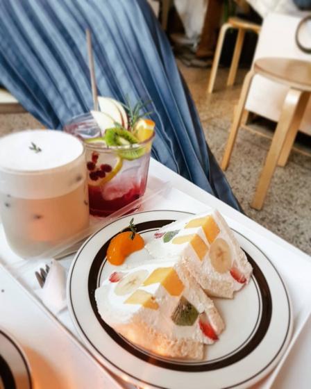 明洞(ミョンドン)で人気のフォトジェニックカフェ文化社(ブンカシャ)の画像