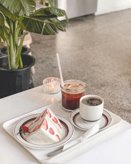 明洞(ミョンドン)で人気のフォトジェニックカフェ文化社(ブンカシャ)の画像2