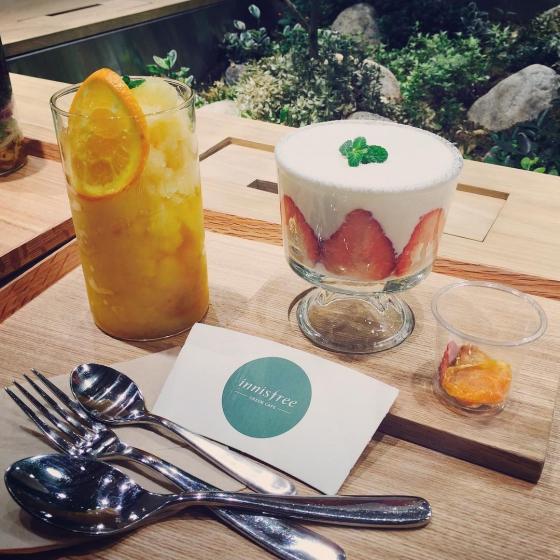 明洞(ミョンドン)にあるフルーツが美味しいカフェ「Innisfree Green Cafe(イニスフリーグリーンカペ)」の画像