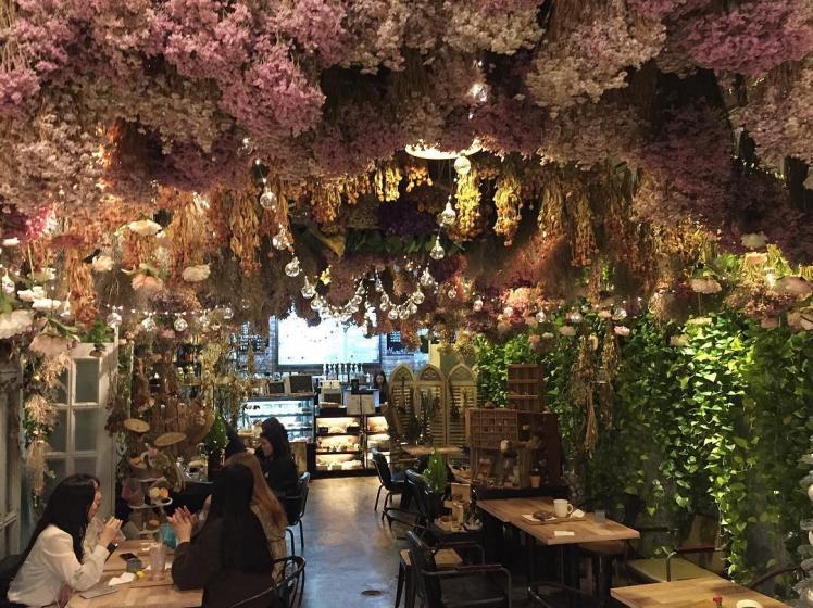 ソウルのフラワーカフェ「ARRIATE」の画像
