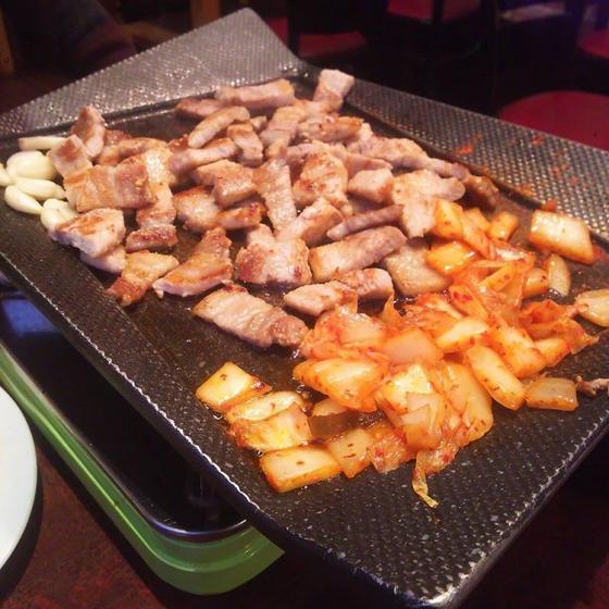 新大久保で人気の焼肉・サムギョプサル屋さん「韓国料理 土地」の画像