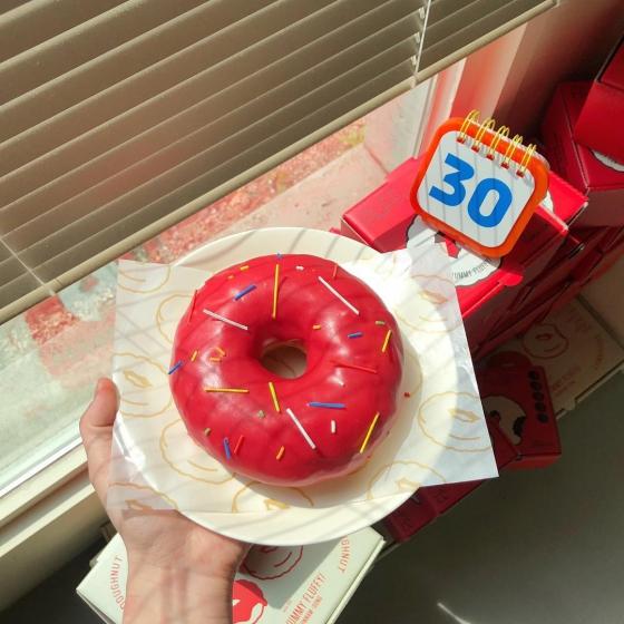 弘大(ホンデ)の人気定番カフェ「Fluffy doughnut(フラッフィードーナツ)」の画像3