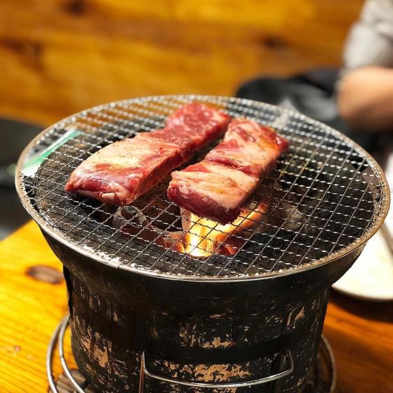 新大久保で人気の焼肉・サムギョプサル屋さん「元祖オムニ食堂 本店」の画像