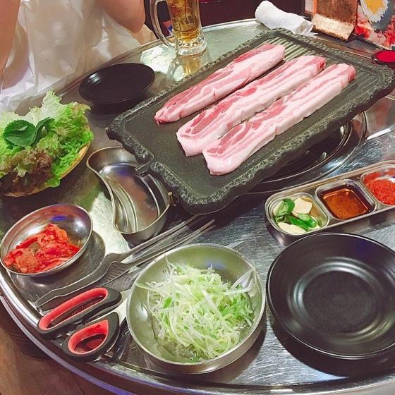 新大久保で人気の焼肉・サムギョプサル屋さん「韓国路地裏食堂 カントンの思い出 新大久保」の画像