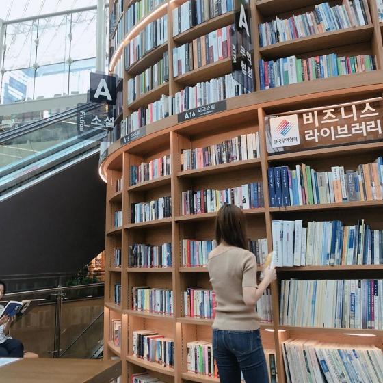 韓国ソウルで人気の本屋さん「 ピョルマダン図書館 」の画像3
