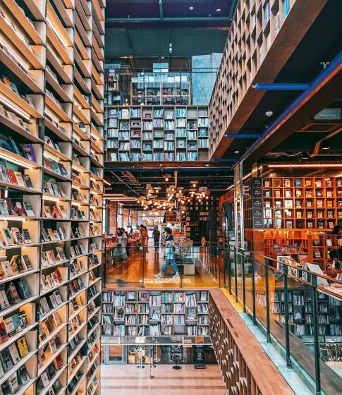 韓国ソウルで人気の本屋さん「BOOK PARK(ブックパーク)」の画像2