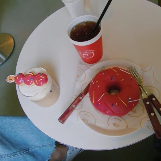 弘大(ホンデ)の人気定番カフェ「Fluffy doughnut(フラッフィードーナツ)」の画像4