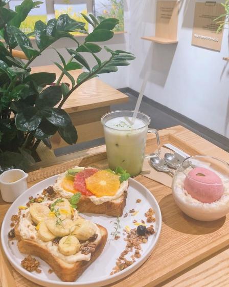 明洞(ミョンドン)にあるフルーツが美味しいカフェ「Innisfree Green Cafe(イニスフリーグリーンカペ)」の画像3