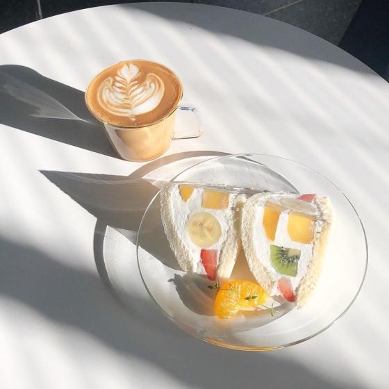 乙支路・忠武路(ウルチロ・チュンムロ)にあるフルーツが美味しいカフェ「文化社(ブンカシャ)」の画像