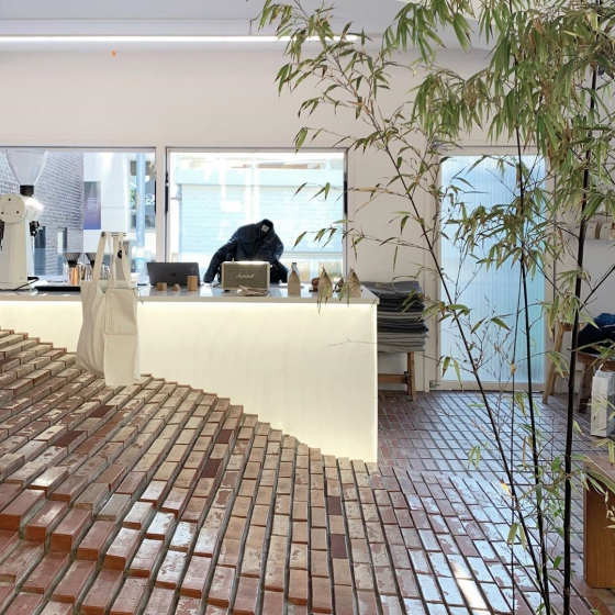 延南洞(ヨンナムドン)のおしゃれカフェ「COFFEE NAP ROASTERS(コーヒーナップロースターズ)」の画像5