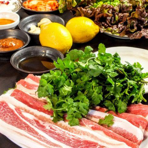 新大久保で人気の焼肉・サムギョプサル屋さん「がぶのみワインとサムギョプサル食べ放題のMOMO ( モモ )」の画像