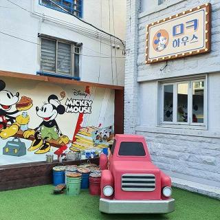 弘大(ホンデ)にかわいすぎなミッキーハウスが期間限定OPEN!
