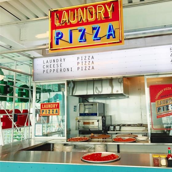 ピザやハンバーガーなどジャンクフード店「Laundry Pizza(ラウンドリーピザ)」の画像