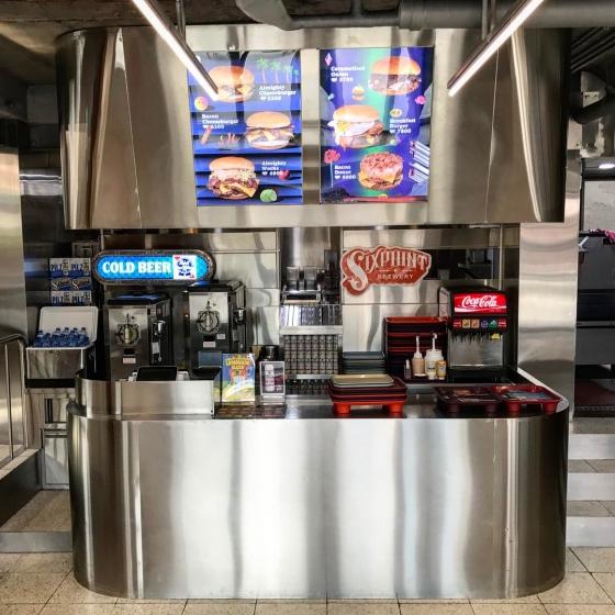 ピザやハンバーガーなどジャンクフード店「 ALMIGHTY CHEESE BURGER(オールマイティーチーズバーガー) 」の画像2