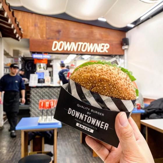 ピザやハンバーガーなどジャンクフード店「  DOWNTOWNER(ダウンタウナー)  」の画像2